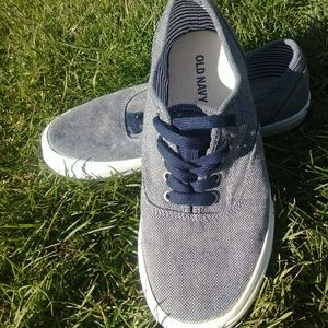 Old Navy Women's Athletic Gray Sneakers